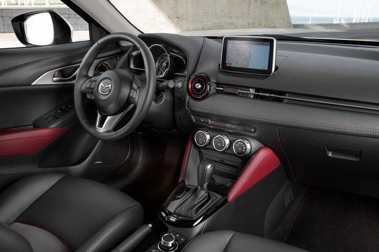 mazda cx 3 ein kleiner crossover suv. Black Bedroom Furniture Sets. Home Design Ideas